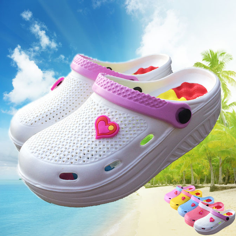 The new summer 2017 hole hole shoes women Thick bottom shake shoes Beach shoes female nurses sandals students platform shoes