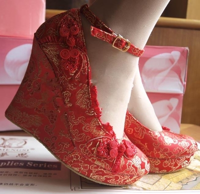 The bride wedding shoes Crocs super high-heeled wedge heel children shoes embroidered shoes shoes red wedding wedding shoes