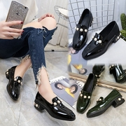 In the spring of 2017 new Korean Vintage low shoes Square female shoes flat pearl coarse shoes Merchandiser