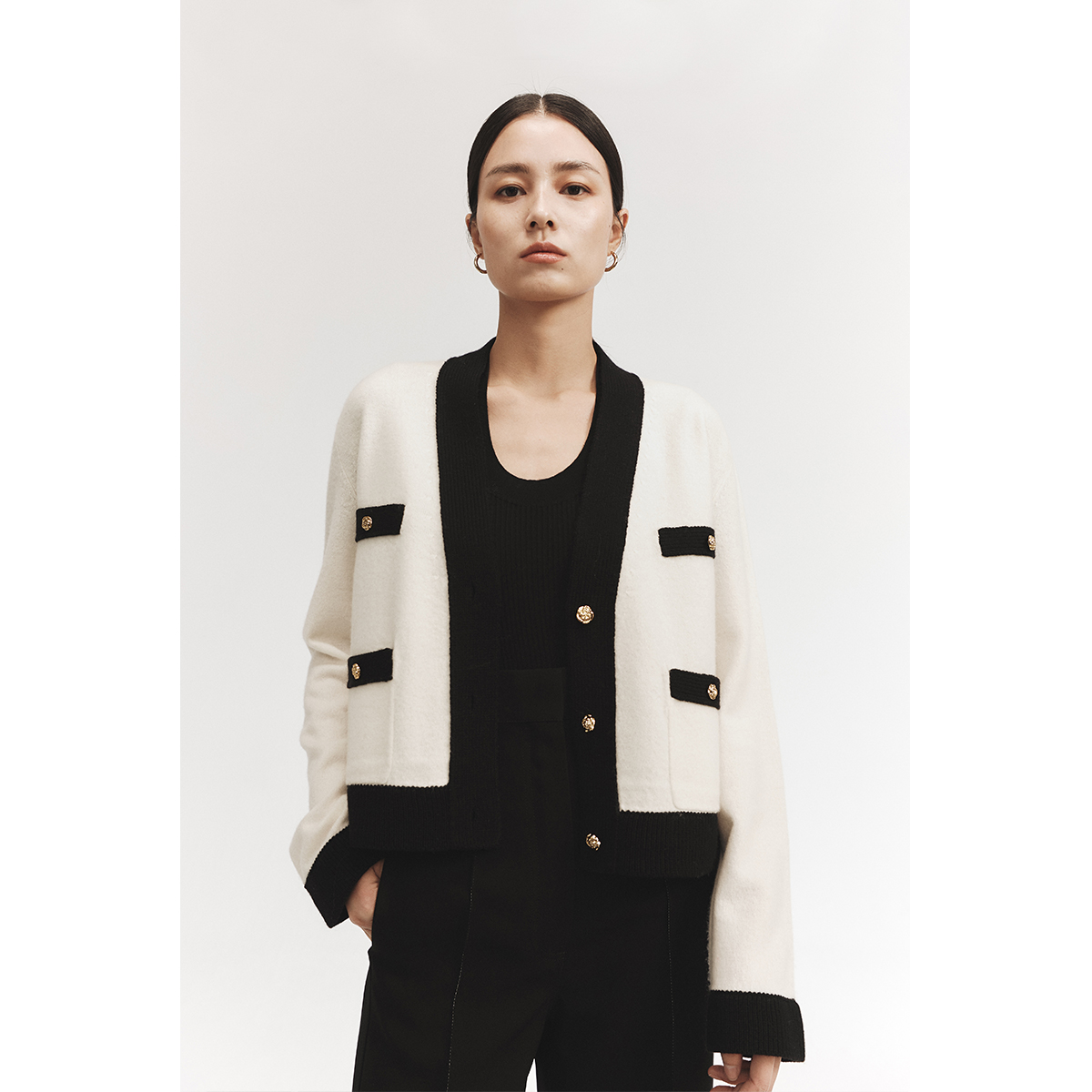 CHICJOC is worth starting with high-end three-dimensional wool trim classic contrast camellia button small fragrant cardigan