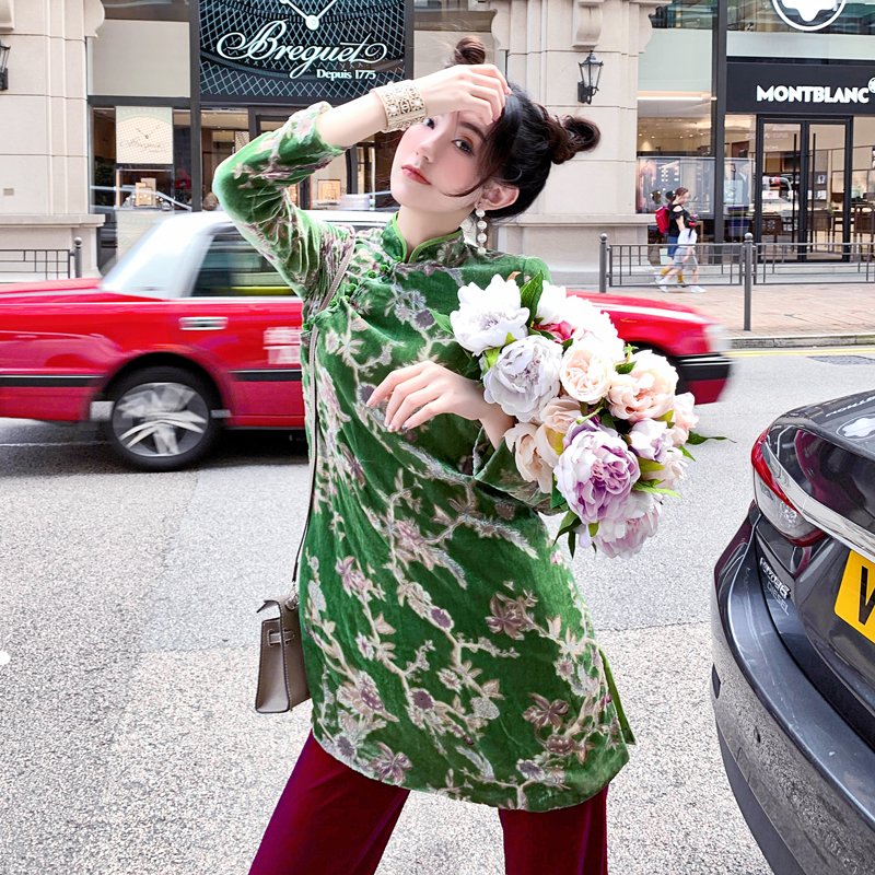 Chinese style jade green Tang style modified cheongsam 2021 new Chinese style silk medium and long retro coat top spring