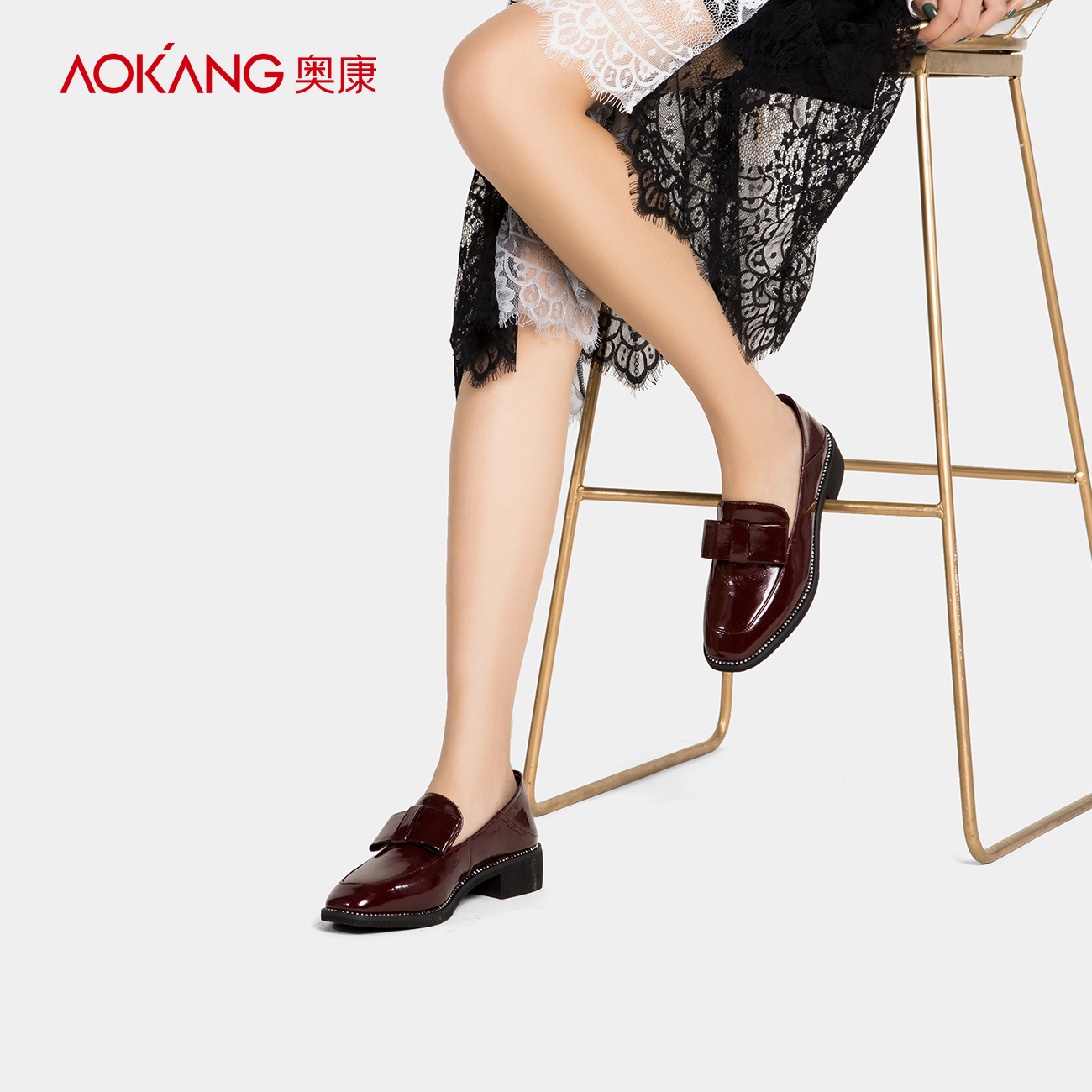 Aokang women's shoes 2018 autumn new products square head bright leather British wind single shoes women's fashion thick with trend women's shoes