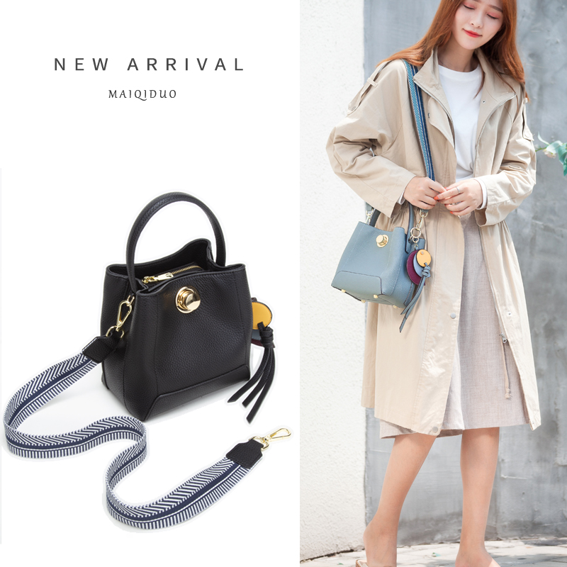 Liuzhou portable bucket lady bag new fashion Korean version of spring and summer simple one shoulder slanting fairy lady bag girl