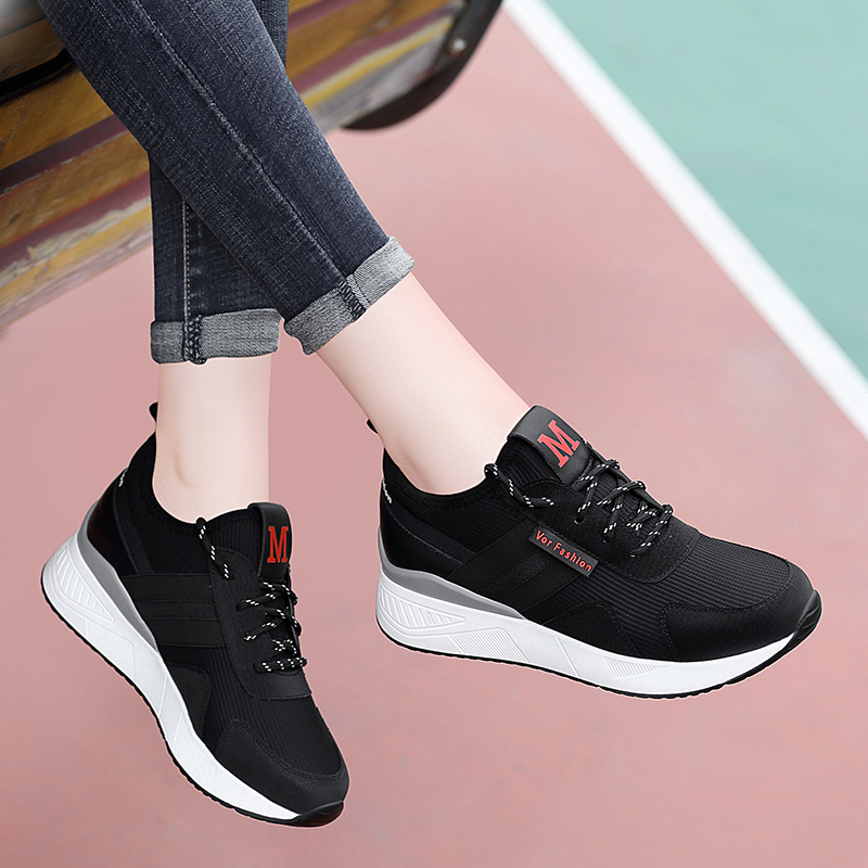 Inner Higher Leisure Sports Female 2019 Autumn New Style Slender Heightened Black Autumn Spring and Autumn Tourist Female Shoes