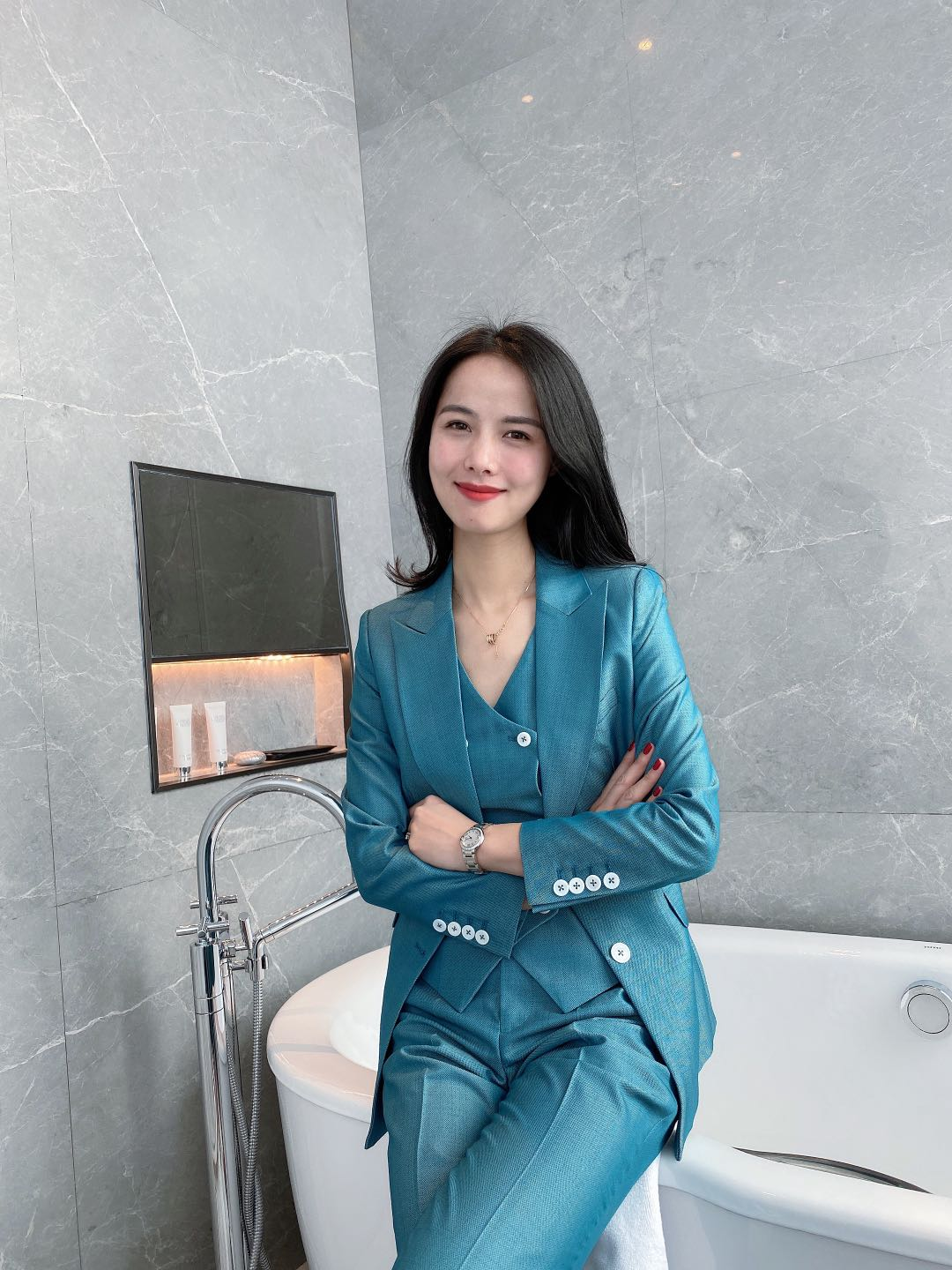 New single breasted emerald three piece slim suit set for women