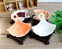 Factory price direct sales mini fan-shaped ceramic plate small plate nut pastry plate jewelry grains picture decoration leaf bowl