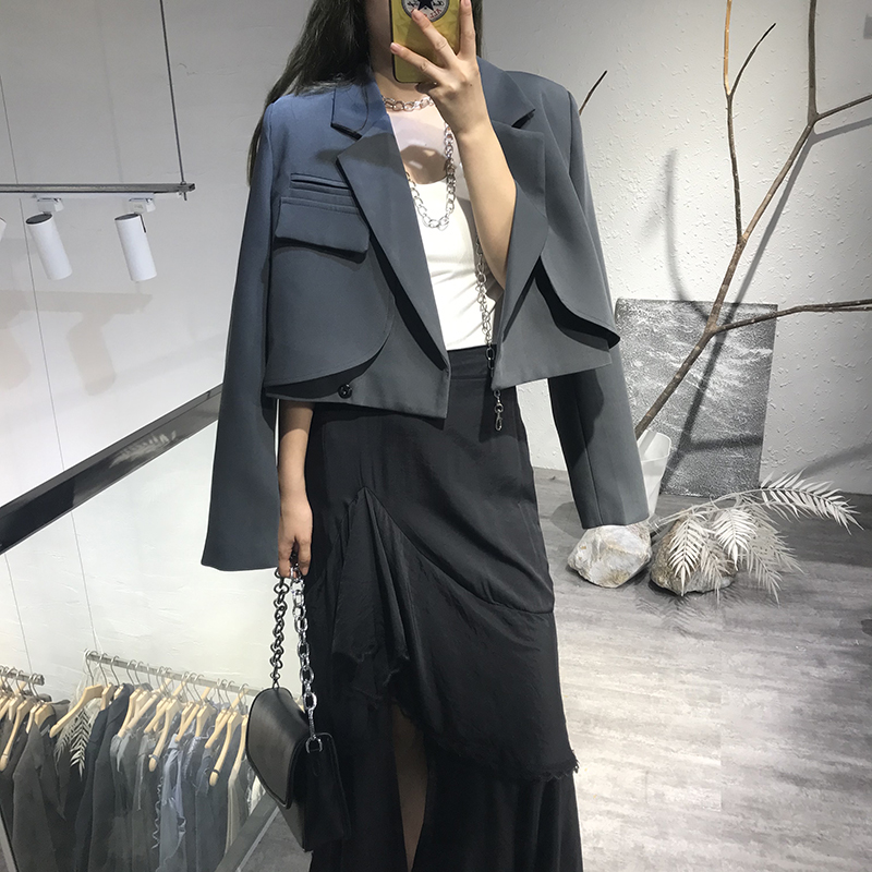 Temperament wild short blazer female small man 2021 spring and autumn new single pocket foreign style suit top