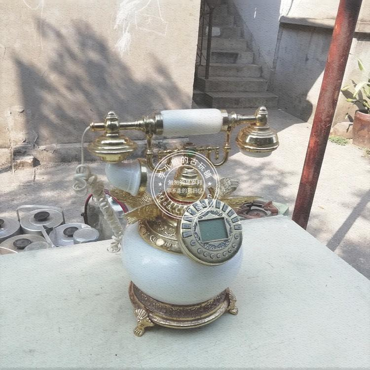 Old-fashioned classic European and American ancient telephone old objects old Shanghai display props home decoration nostalgic collection