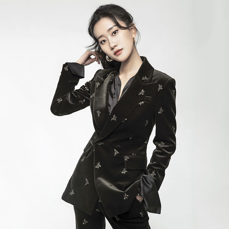 Stars with the same autumn and winter embroidered black gold velvet suit womens small fragrance Korean version of the British foreign style fashion