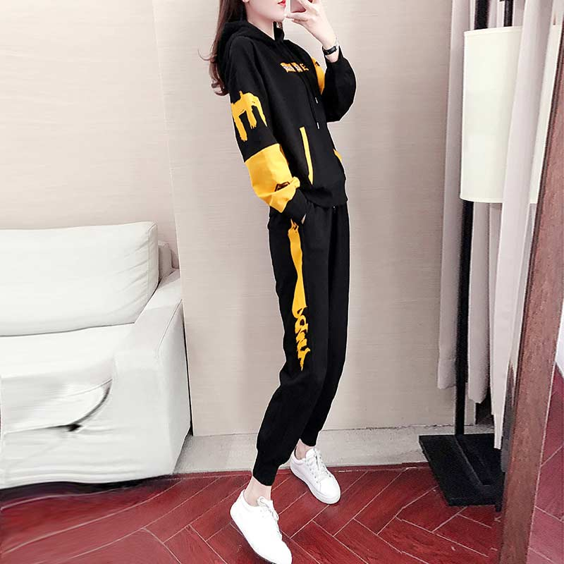 Autumn and winter sports and leisure suit womens 2020 new Korean version of foreign fashion temperament plus plus thick cotton T two-piece set