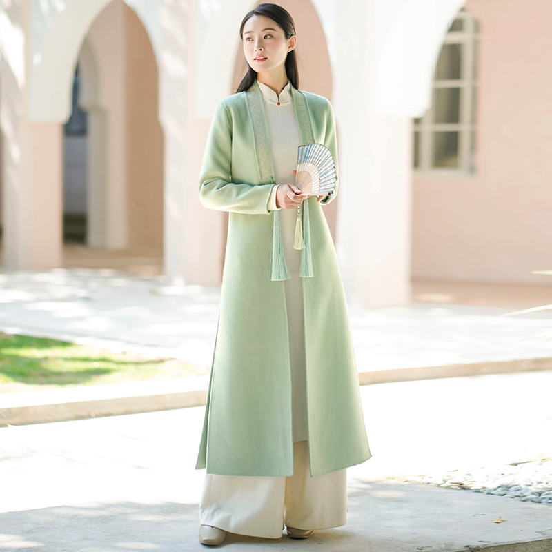Early autumn and winter womens clothing new modified Chinese style chinese dress embroidered outer cape long version of the double-sided coat