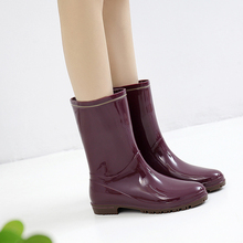 Japanese rain shoes women's medium tube Rain Boots Fashionable water boots crystal waterproof work rubber shoes wear anti slip water shoes