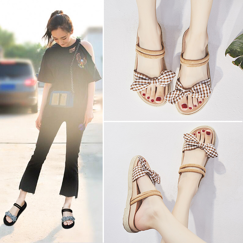 Two wearing net red sandals and slippers women wearing fashion 2018 new summer women's shoes flat Korean version of the wild slippers women