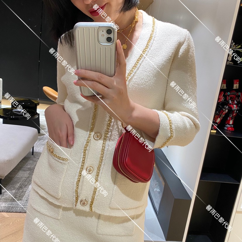 Maje short coat spring summer 2021 new V-neck small fragrance chain 100 sweater knitted cardigan top