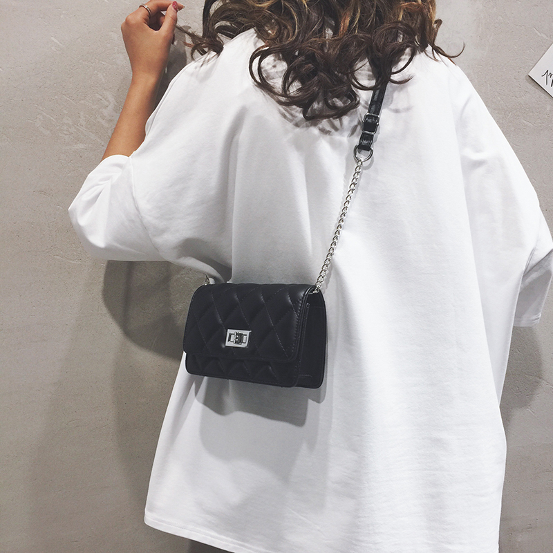 Small CK bag female 2020 new fashion this year fashionable high-end feeling foreign style all-around chain messenger small bag spring and summer