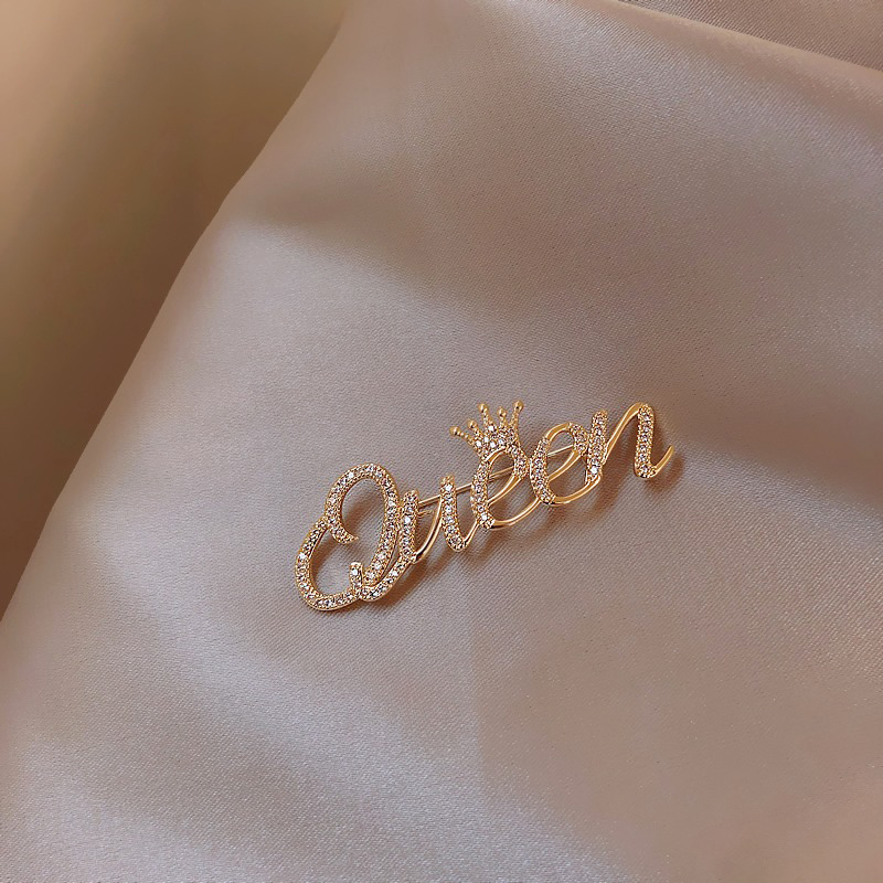 Letter brooch female high-end luxury suit ins trendy personality with atmospheric anti-walking light buckle neck pin accessories