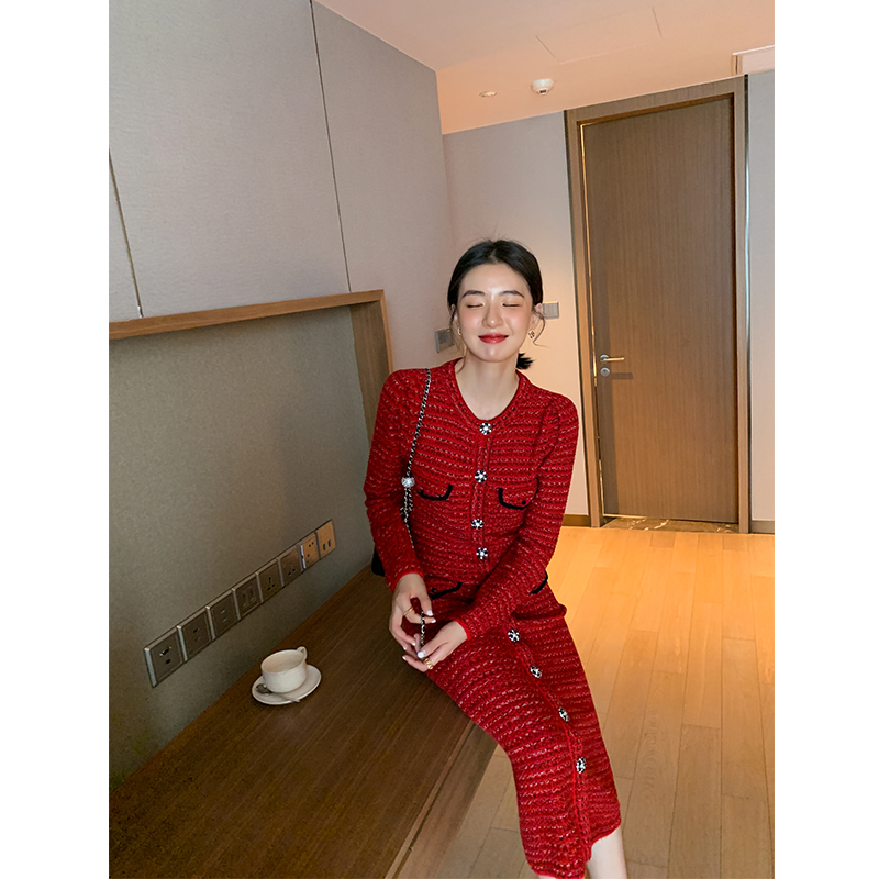 ADA MISS small incense flashing diamond petal buckle temperament red mid-length slim knit dress female autumn and winter new