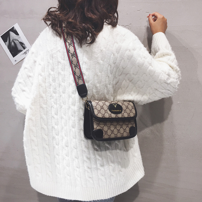 Small ck handbags, Europe, the United Kingdom, fashion trends, one-shoulder messenger, high-end flagship bag women, 2020 new wild