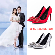 The bride Shoes Heels female 2017 silver with a fine pointed red satin Rhinestones shallow mouth buckle shoes female wedding shoes
