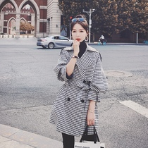 Plaid short trench coat womens spring and autumn 2021 New this year popular high-grade small man coat