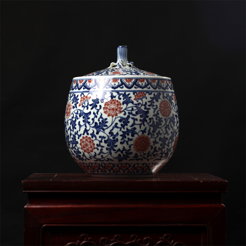 Decorative Art of High-grade Hand-painted Ancient Cans Cover and Cans with Red Jingdezhen Ceramics Arrangements in Big Vase Blue and White Glaze