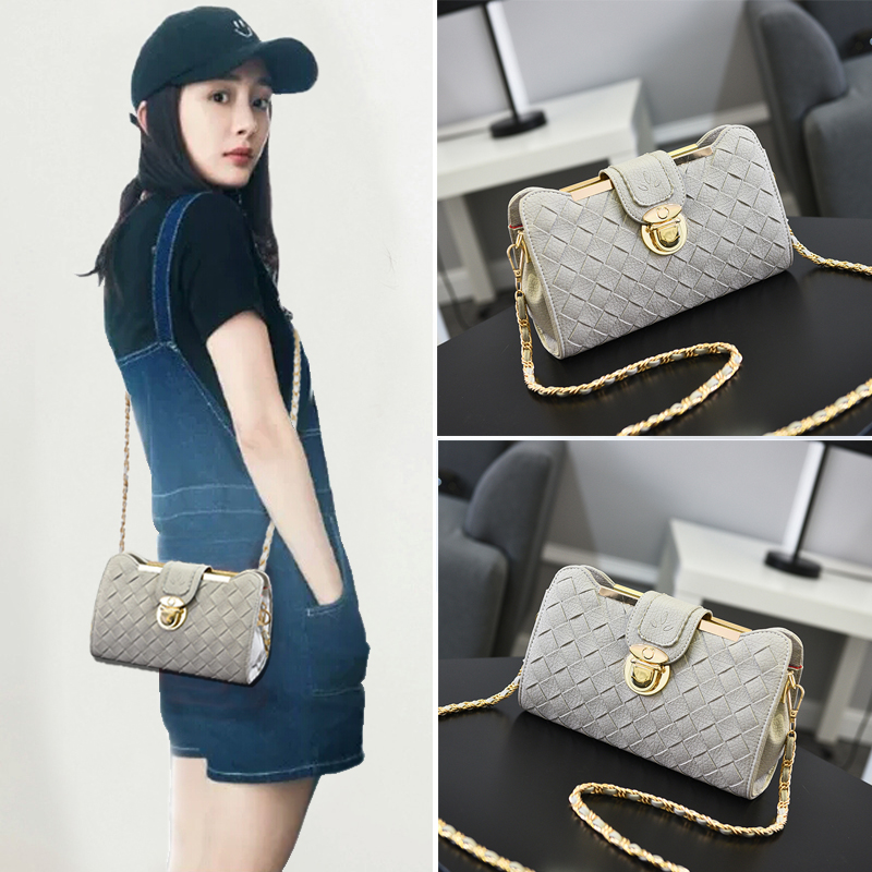Texture on the new small bag lady 2019 new Korean version of Chaozhou one-shoulder slanting chain bag fashion ladies in autumn and winter