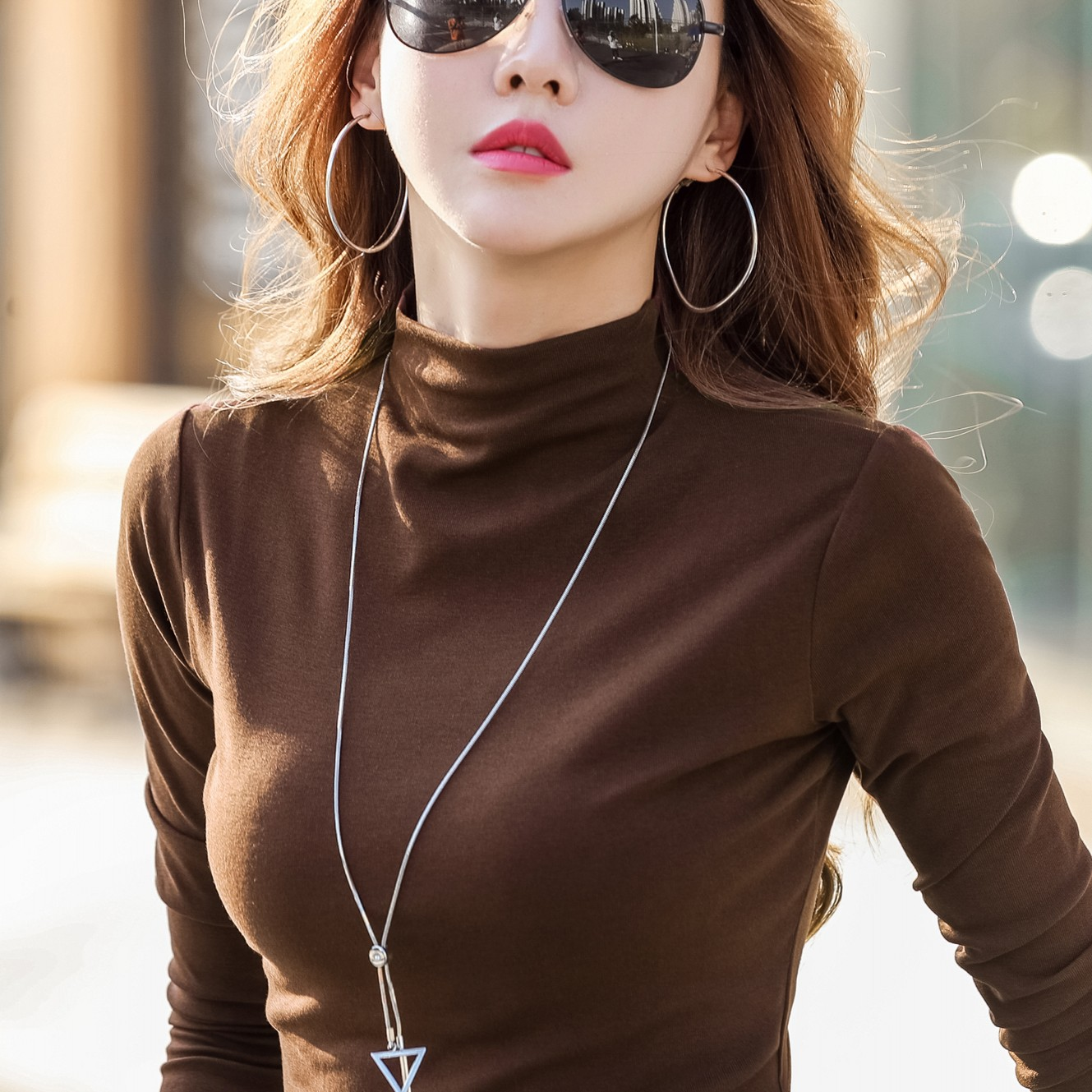 Semi-high-necked bottoms womens long-sleeved T-shirts in spring autumn and winter to tie the autumn coat in the collared black hundred-tie top