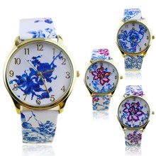 Popular Elegant Ethnic style Watches for Girls with Analog E