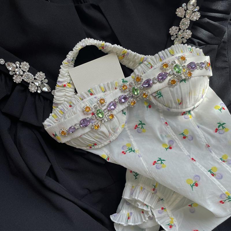 Heavy industry sling blouse beaded 2021 new French small fresh bandeau spice girls short vest women wear outside the summer