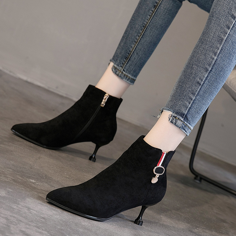 Shoe Woman Fall and Winter 2019 New Cat heel High heel Medium heel Tip Fine heel Women's Shoes Korean Edition Fashion Martin Boots Children
