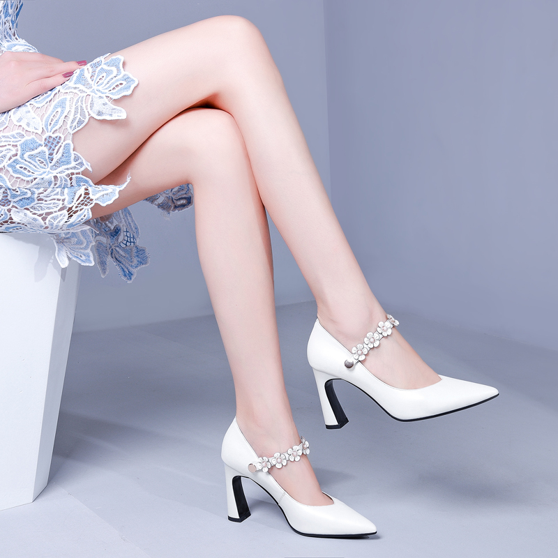 Spring 2019 New White High-heeled Shoes Shallow Thick-heeled Spiked Leather Shoes Fashionable Showgirl Single Shoes Autumn