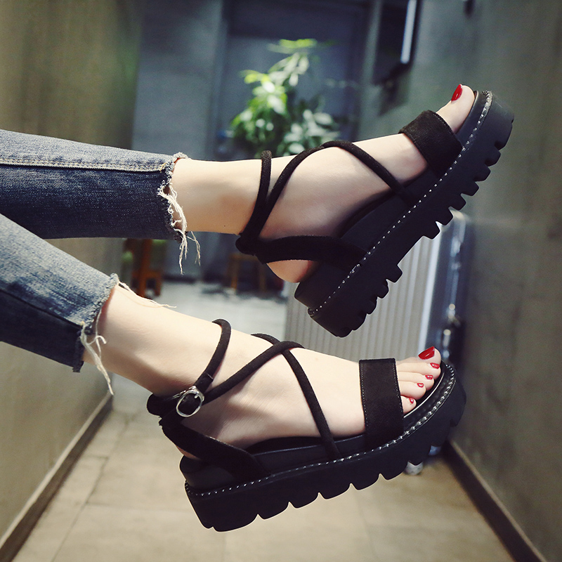 Sandals female 2018 new summer thick bottom cake Korean students straps shoes flat shoes women's fashion Roman shoes tide