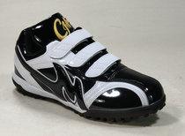 现货 专为人造草坪场地生产的鞋底 成美经典黑白色 训练鞋 比赛鞋
