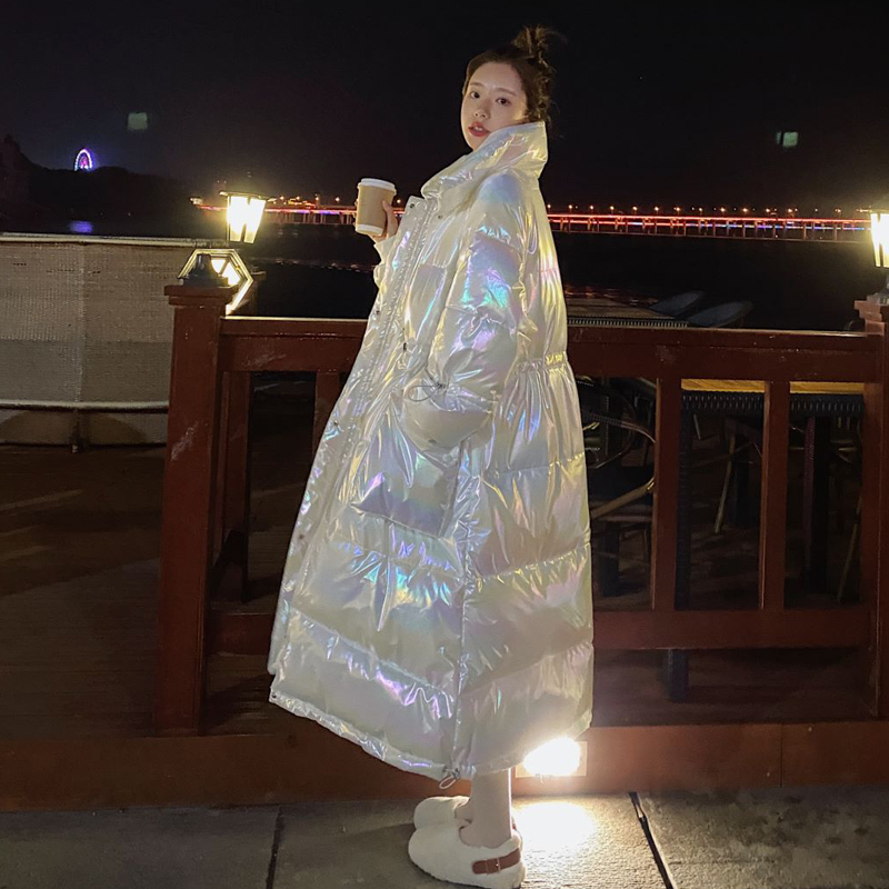 Pregnant women dressed in the mid-year long version of the jacket autumn winter 2020 new late pregnancy dazzling bright-faced down cotton clothing tide mother