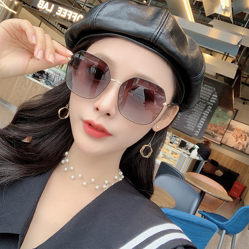 Sunglasses for women 2020 new round face Korean version tide Polarized Sunglasses anti ultraviolet large face thin myopia glasses