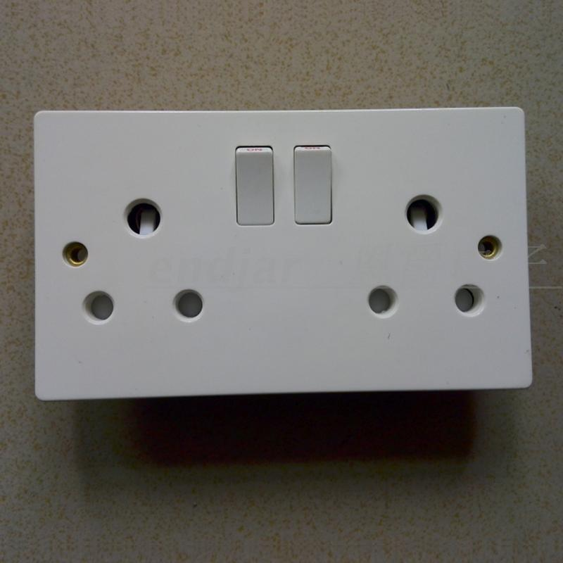 Two-bit three-hole large South African switching socket 16A British standard power socket Indian South African wall socket panel