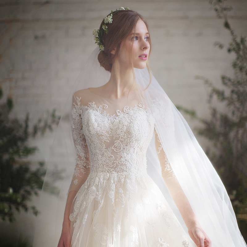 Light wedding dress 2020 new bride wedding small simple forest long sleeve super fairy dream trail 2019