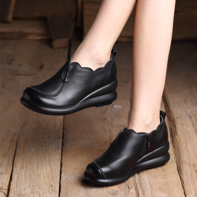 2018 new autumn small leather shoes female with leather casual round head black fashion wedge with flat retro women's shoes