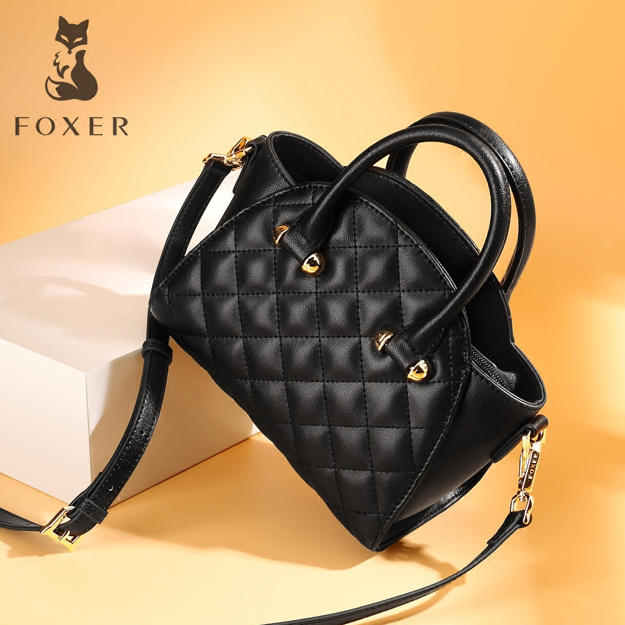 Golden Fox Lingge bag female 2018 new Korean version of the shoulder fashion mini portable bag tide wild Messenger bag