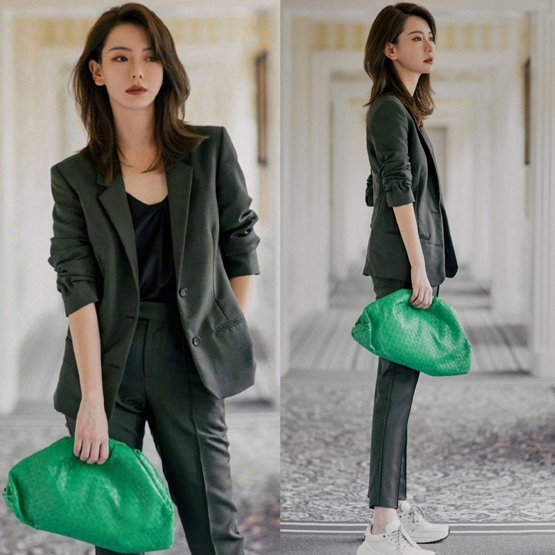 Qi Wei star with a dark green suit suit womens early spring 2021 new Korean version of fashion temperament casual suit