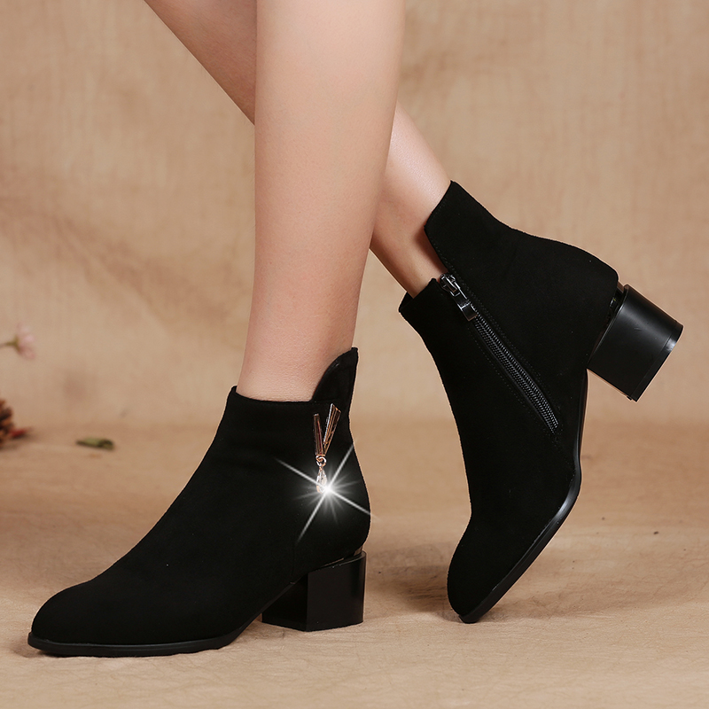 Autumn and Winter 2019 Women's Shoes Martin Boots Old Beijing Cloth Shoes and Women's Boots High heel, Single Boots, Bare Boots, Fashion Shoes and Cotton Shoes
