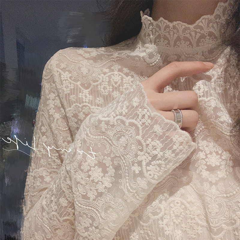 Autumn and winter new foreign pie t-shirt women semi-high-neck embroidered fine 緻 with lace shirt fairy mesh bottoms top