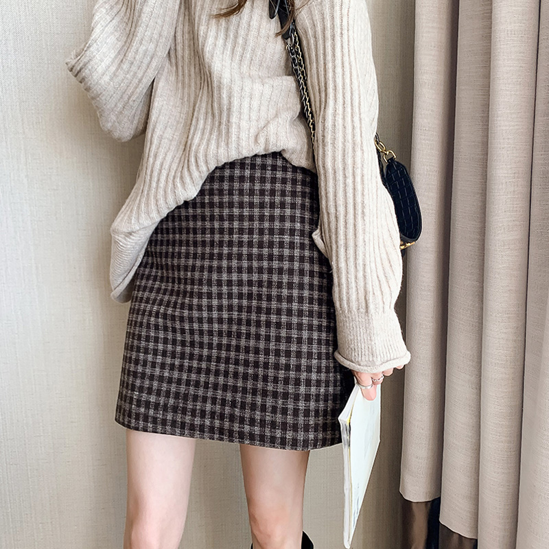 Half-length skirt autumn and winter women's 2020 new woolen plaid skirt Korean version of the high-waist slim short skirt A-line wrapped hip woolen skirt