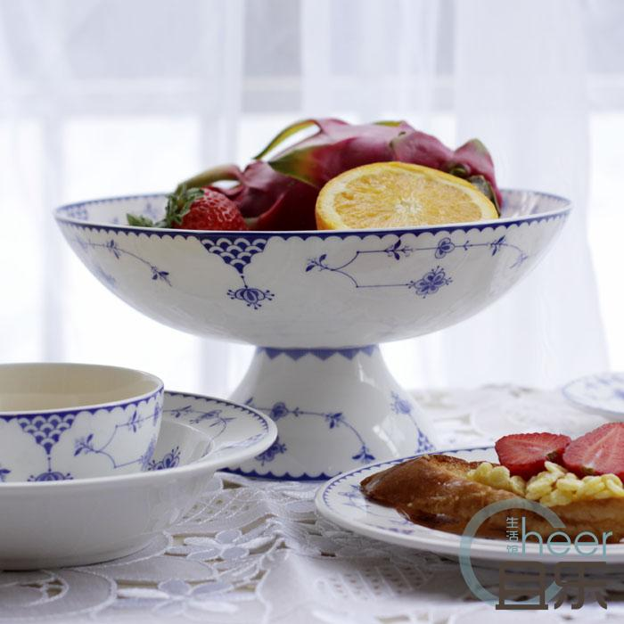 Six sets of coffee cups, dishes, breakfast bowls, salad bowls, soup bowls, fruit plates