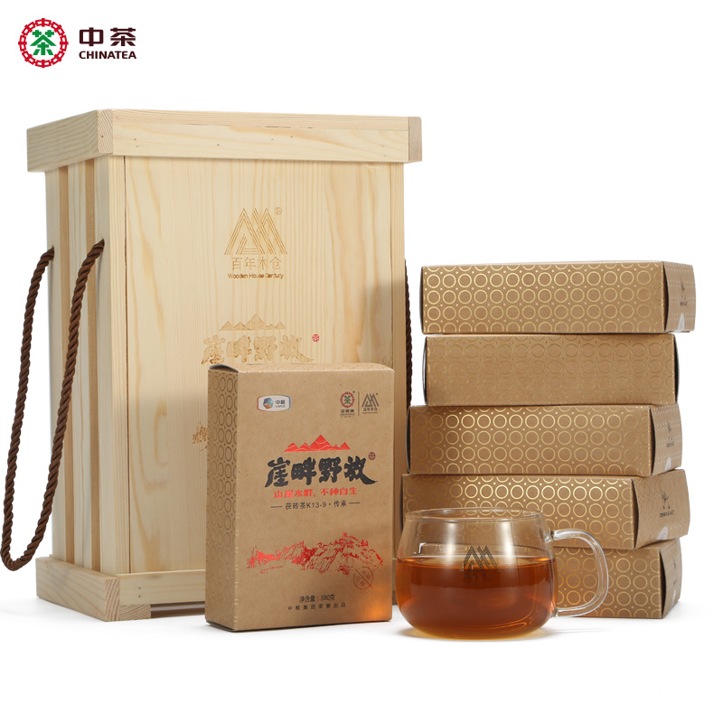 Zhongcha Brand 100-year Wooden Warehouse, Anhua, Hunan Province, Black Tea, Golden Flower, Poria Brick Tea, Wooden Box, 6 pieces packed on the cliff side and put 2.28kg in the wild