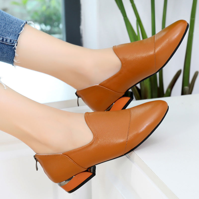 Autumn Leisure Large-Size Leather Shoes 41-43 Fashion Leather Ladies Shoes Flat Bottom Slim Shoes New Style 2019