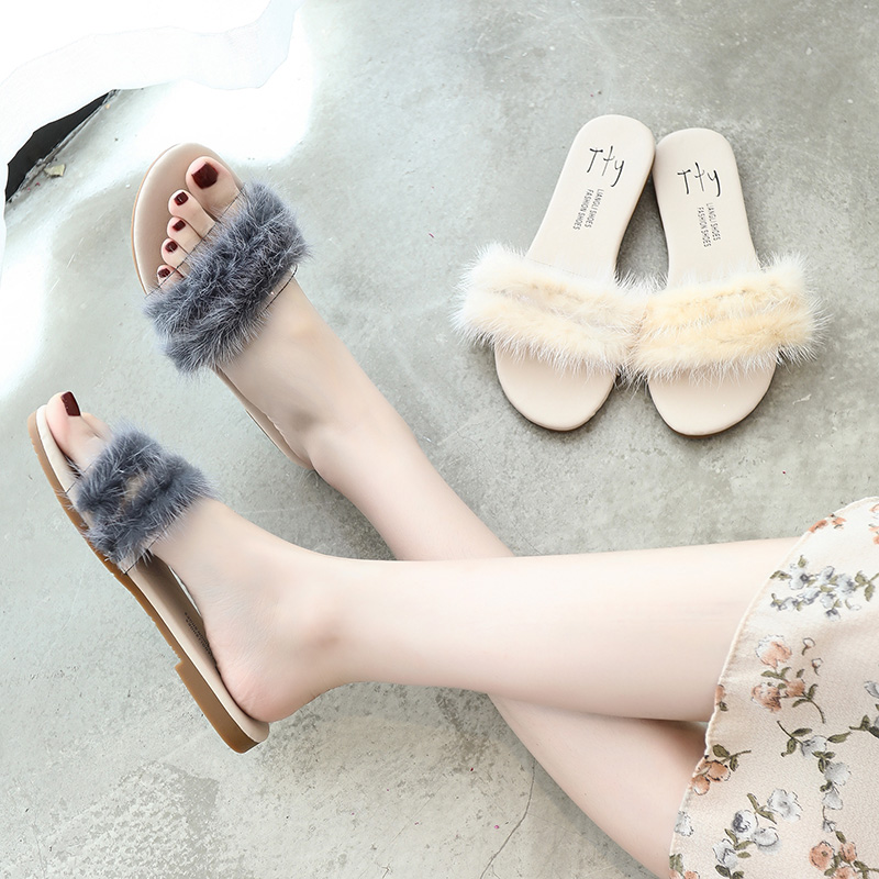Net red hair slippers for women wearing summer ins tide 2019 new fashion Baitao flat bottom gentle and lazy one-word slippers