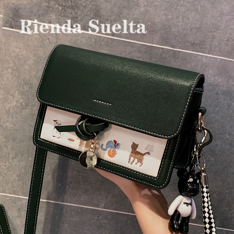 Rienda suelta Singapore small CK women's bag Limited flagship 2020 new fashionable all-around messenger bag