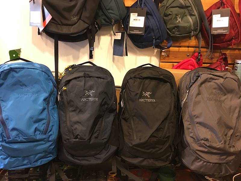 19-year-old ARC'TERYX Archaeopteryx 7715 Mantis 26L City Leisure Daily Shoulder Backpack