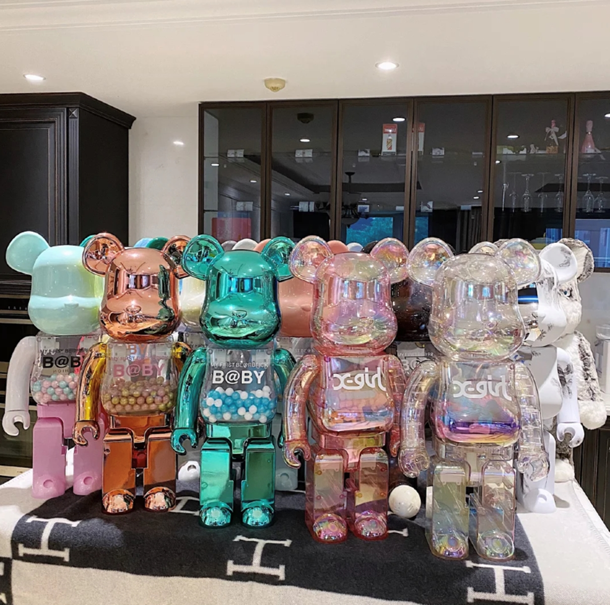 bearbrick violent bear building blocks Bear empty mountain base Qianqiu MMJ Ten million two tide brand doll hand do blind box